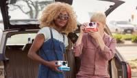 """Sõbrapäeva eripakkumine: imeilus """"Coral"""" värvi Polaroid OneStep 2 on müügil soodushinnaga"""