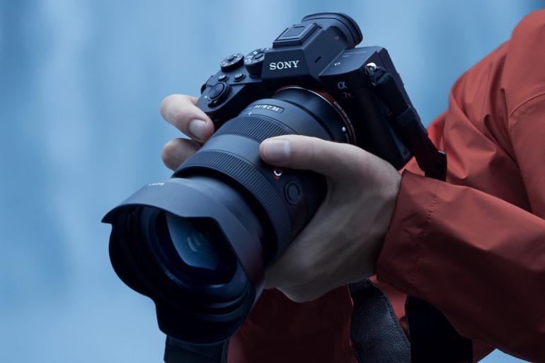 Ihaldusväärne Sony a7R IV täiskaader hübriidkaamera on hetkel 400€ odavam