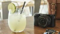 Sony a6100 hübriidkaamera ostul kingituseks multifunktsionaalne laadija