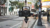 Nüüd saadaval: Sony a6100 APS-C sensoriga hübriidkaamera