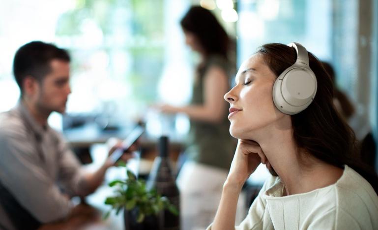 Naudi vaikust kõikjal - Sony WH-1000X3 mürasummutusega kõrvaklapid on müügil soodushinnaga