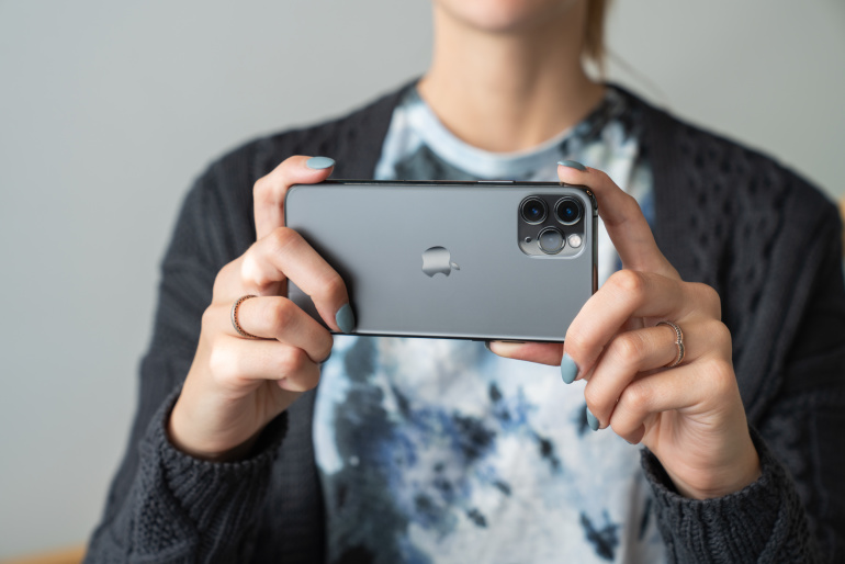 Karbist välja: Apple iPhone 11 Pro