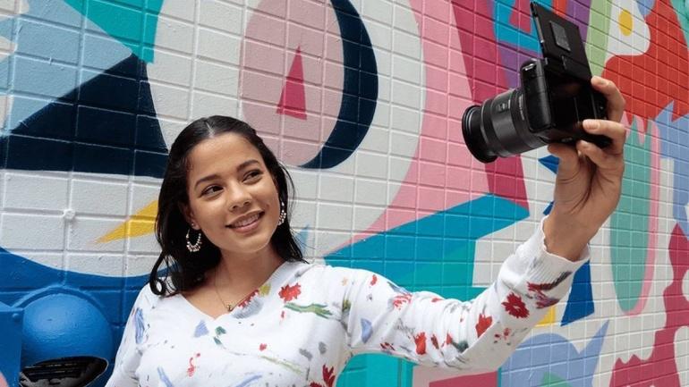 Canon EOS M200 hübriidkaamera koos EF-M 15-45mm objektiiviga on 130€ soodsam