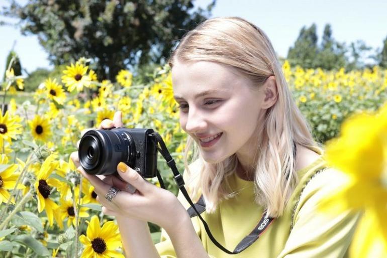 Canon toob turule uue EOS M200 hübriidkaamera, millel on silmatuvastusega autofookus ja 4K video