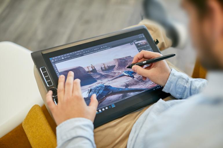 Wacom toob turule uue professionaalse MobileStudio Pro graafikalaua