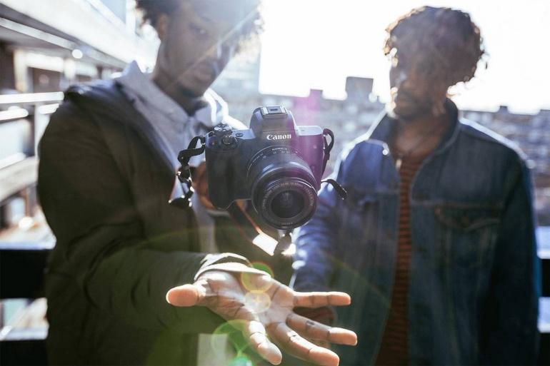 Ideaalse youtuberite hübriidkaamera Canon EOS M50 erikomplektid on nüüd müügil soodushindadega
