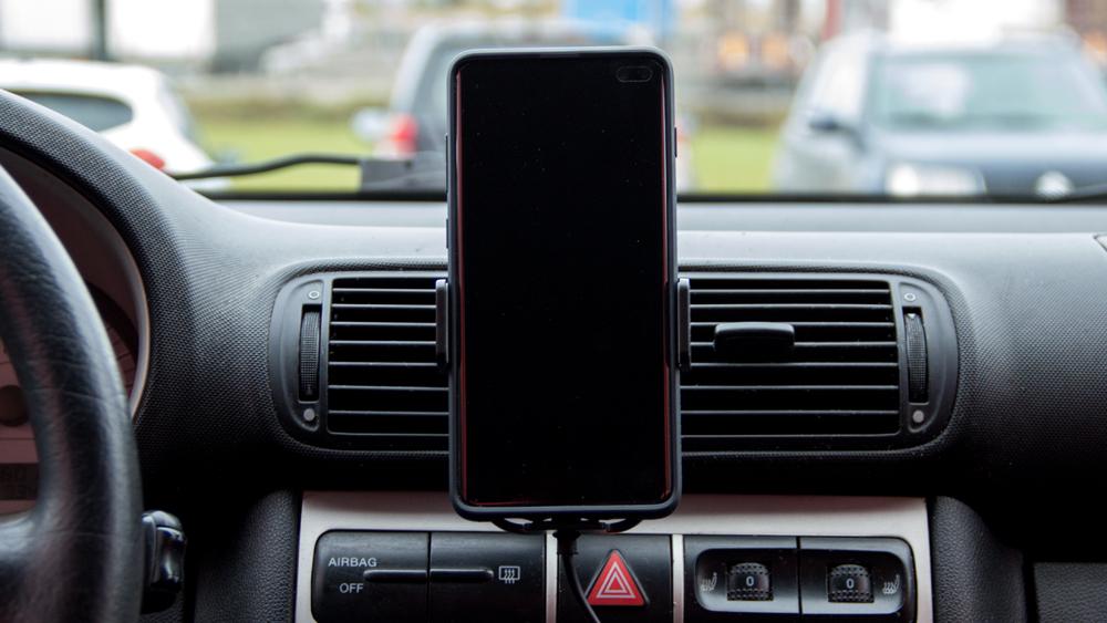 Platinet autohoidik & QI juhtmevaba laadija