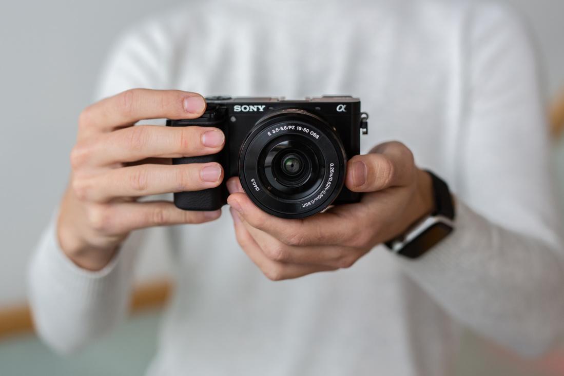 Sony a6100 hübriidkaamera