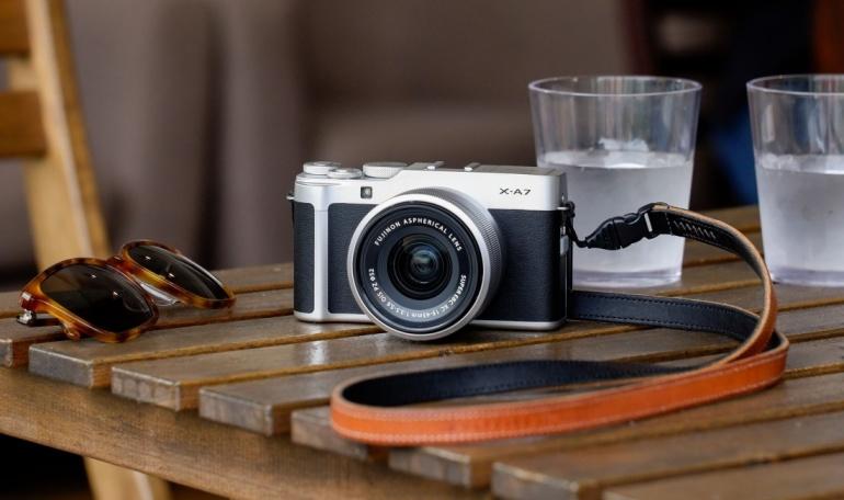 Nüüd saadaval: retrovälimusega Fujifilm X-A7 hübriidkaamera koos 15-45mm komplektobjektiiviga