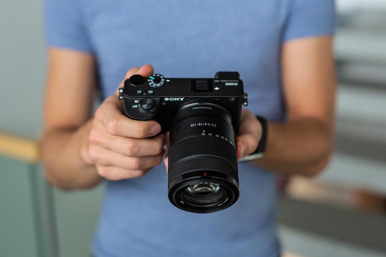 Karbist välja: Sony uus poolkaader hübriidkaamerate lipulaev Sony a6600