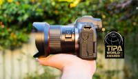 Samyang AF 14mm f/2.8 RF pälvis maineka TIPA auhinna