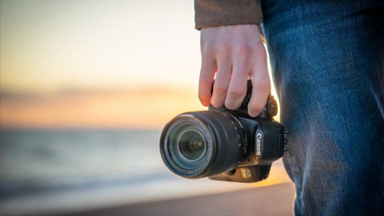 Korralik Canon EOS 850D peegelkaamera on 100-170€ soodsam