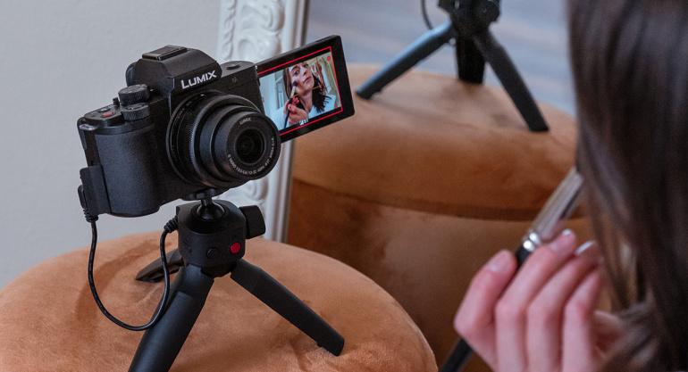Panasonic Lumix DC-G100 on spetsiaalselt videoblogijatele mõeldud hübriidkaamera