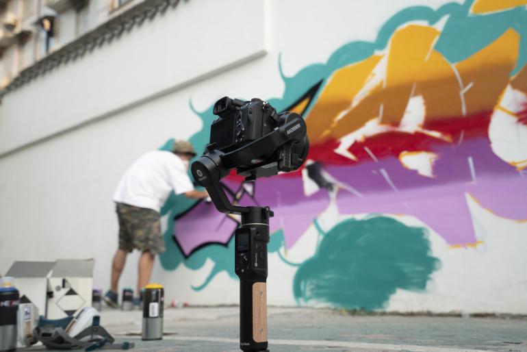 Photopoint soovitab: FeiyuTech AK2000C gimbal hübriid- ja peegelkaameratele
