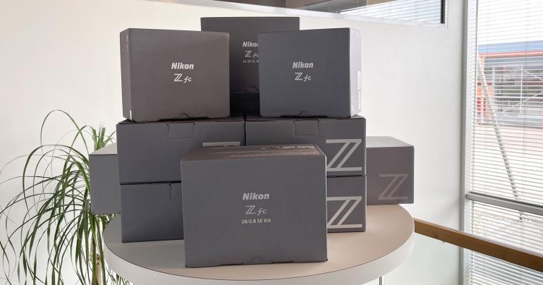 Nikon Z fc on 80-ndate retrodisainiga moodne hübriidkaamera